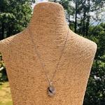 pendentif-quartz-tourmaline-forme-libre-pierre-mineraux-pierres-du-monde-1