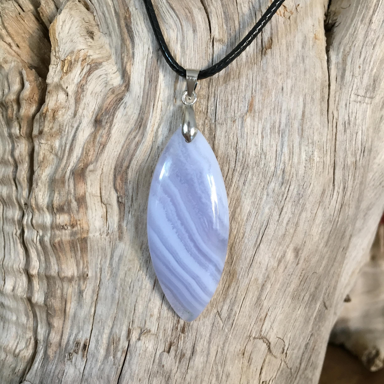 Pendentif Agate Blue Lace (calcédoïne bleue)