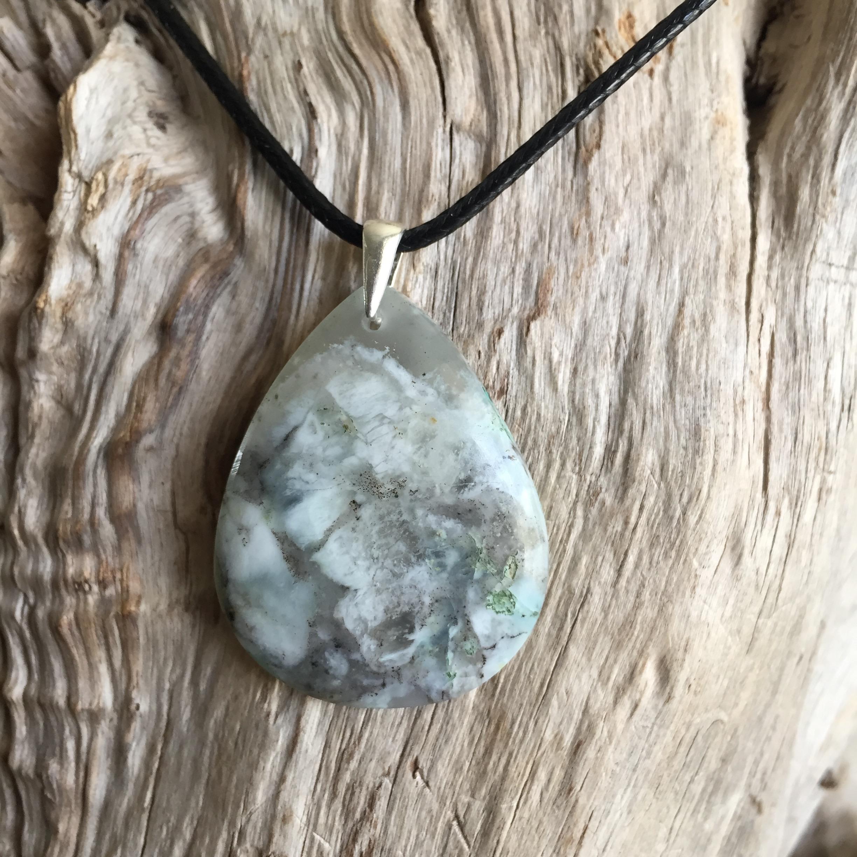 Pendentif Opale Péruvienne