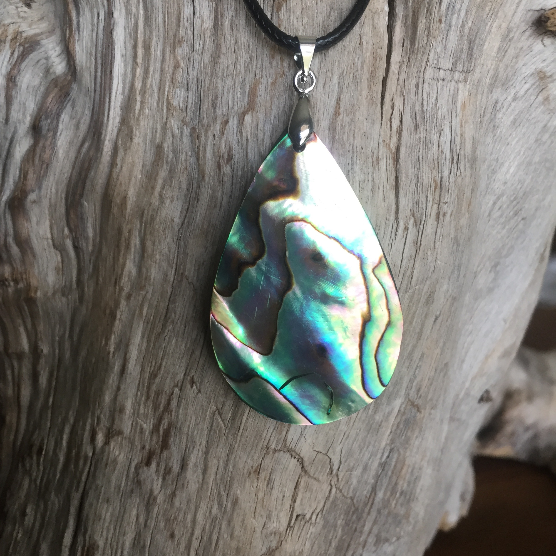Pendentif abalone            Amour, paix et compassion