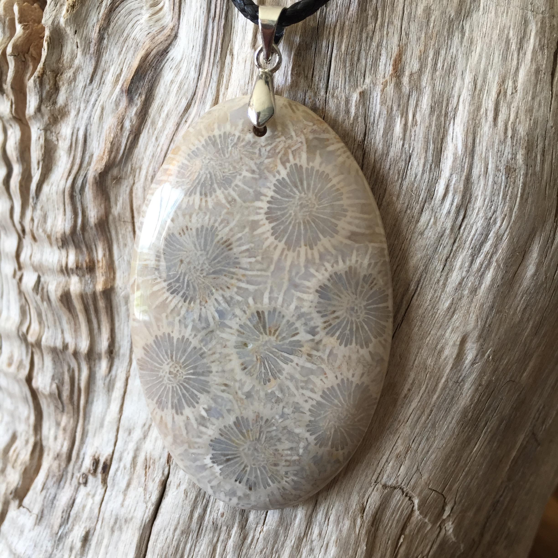 Pendentif Corail Fossile