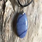 Pendentif Aventurine Bleue, cordon coton ciré offert