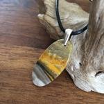 Pendentif Bumblebee, bélière argent 925, cordon coton ciré offert