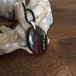 Pendentif Oeil de Tigre, cordon coton ciré offert