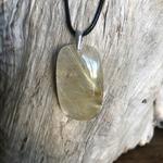 Pendentif quartz rutile cheveux d'ange, bélière argent 925, cordon coton ciré offert