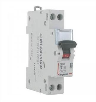 LEGRAND - Disjoncteur DNX 4500 - vis/vis - U+N 230V~ 20A - 4,5kA - courbe D - 1 mod -REF 406803