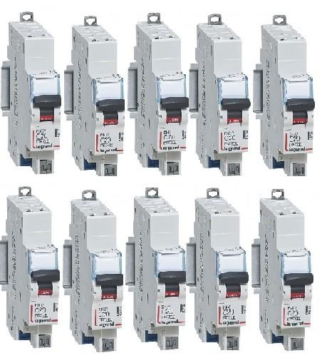 LOT LEGRAND 10 Disjoncteurs DNX³4500– courbe C - Auto - 16A - Réf - 406783