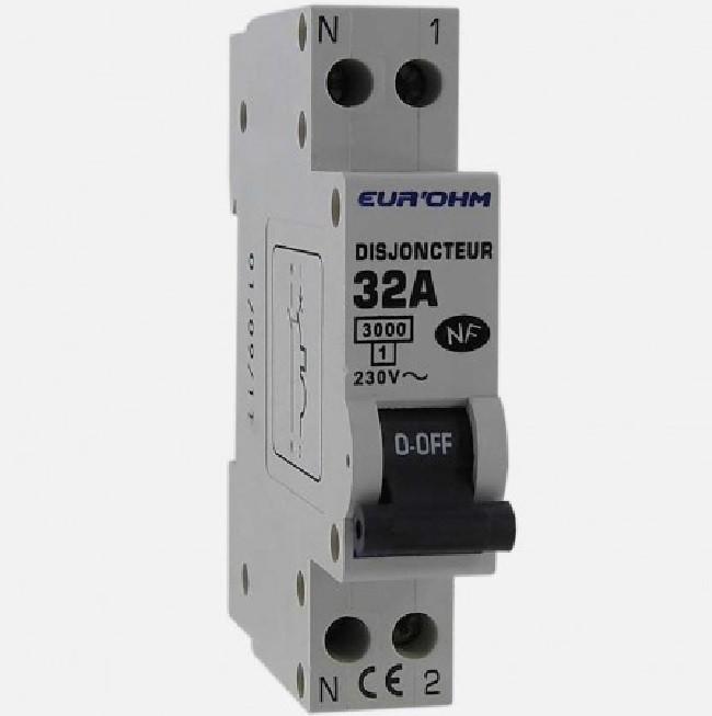 Eur\'ohm - Disjoncteur 1P+N 32A NF,cx vis haut/bas 3kA - Réf 20032