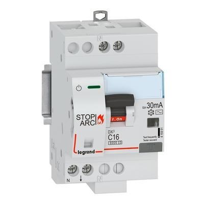 LEGRAND - Disjoncteur Différentiel DX³ STOP ARC 4500 à vis 1P+N 230V~ 16A typeAC 30mA courbe C - 3 modules - Réf - 415951