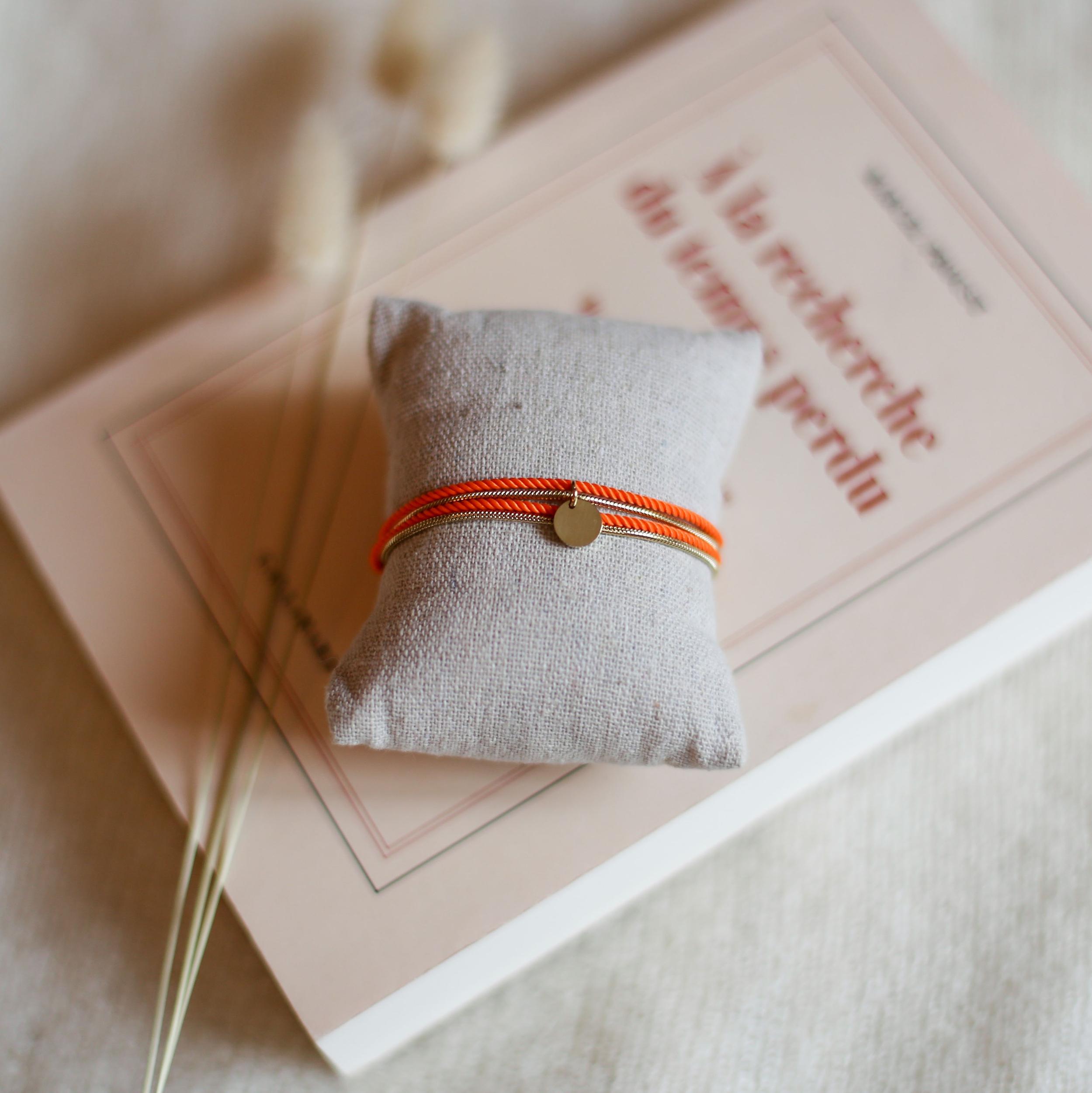 Valentine - Gold with Orange rope
