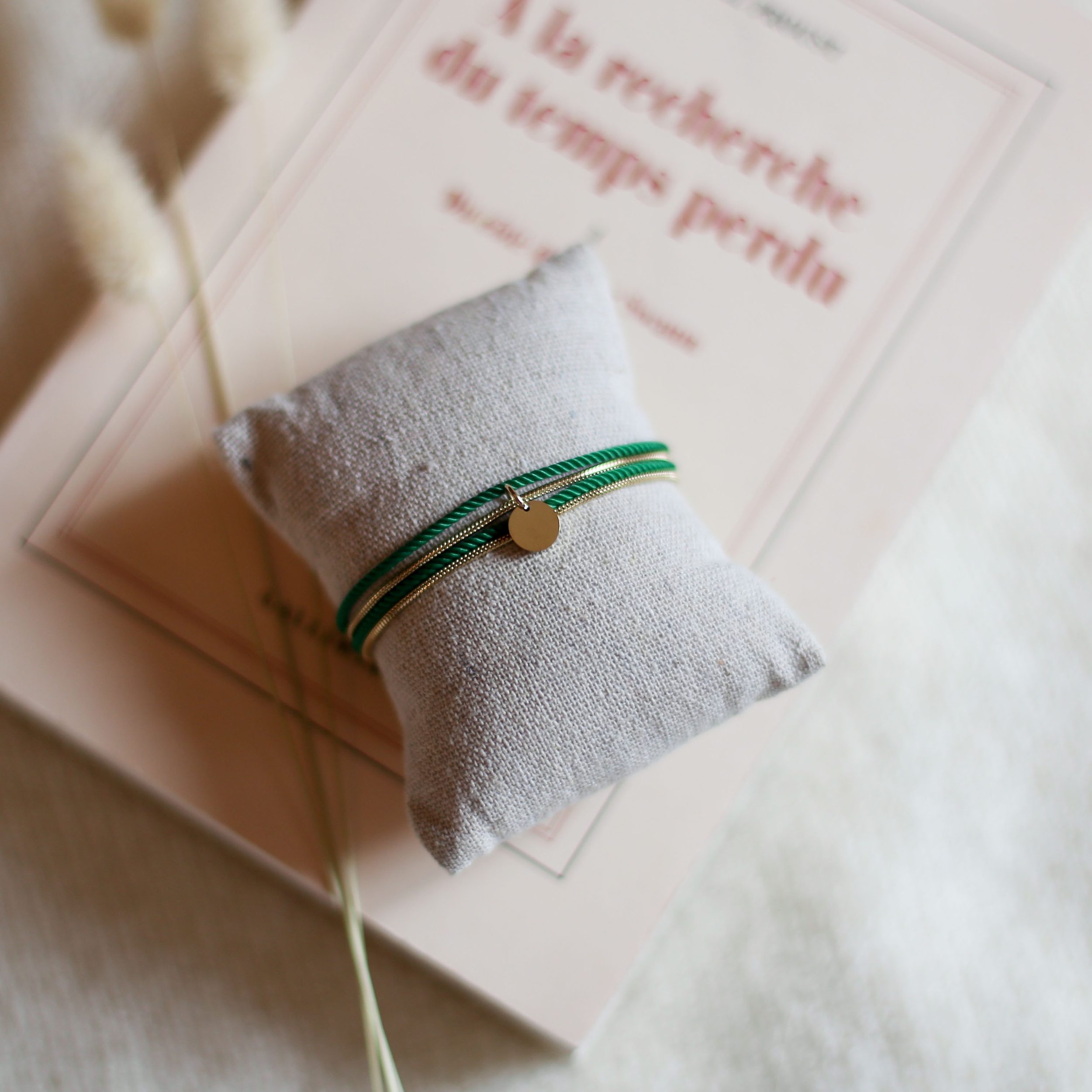 Valentine - Gold with Emerald rope