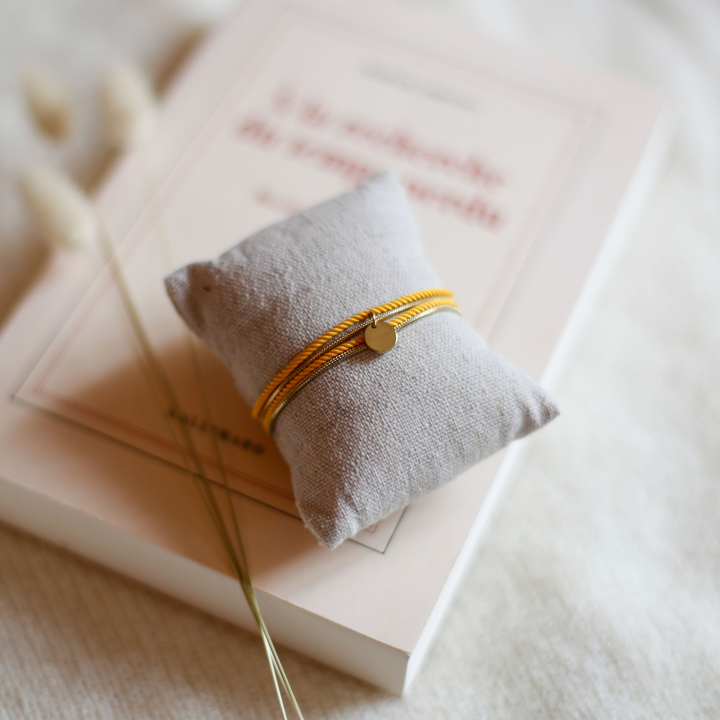 Valentine - Gold with Yellow rope