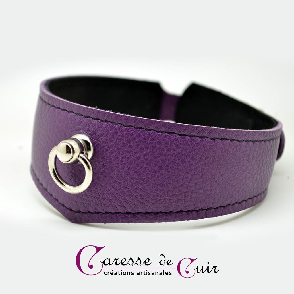 Collier SM en cuir violet avec couture  et verso noir