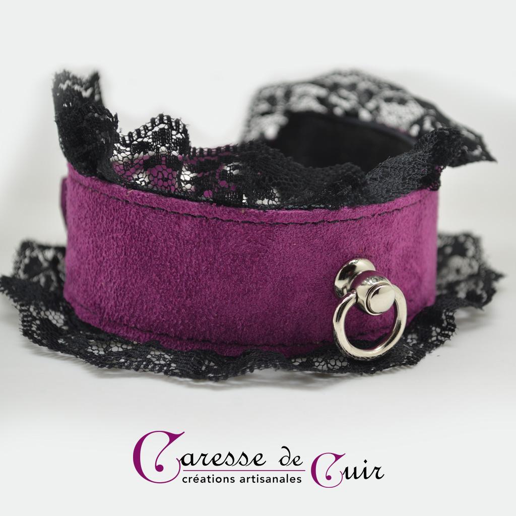 Collier SM en cuir velours violet avec dentelle noire et anneau argenté