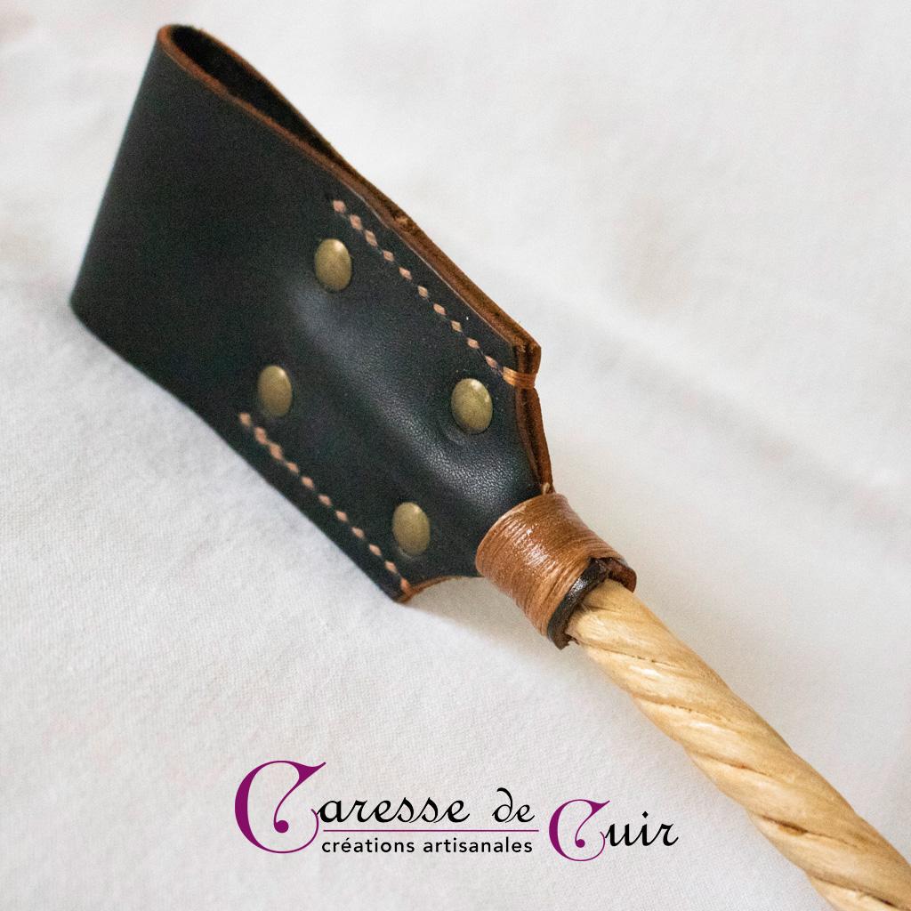 Cravache-cuir-micocoulier-cognac-et-bois-3