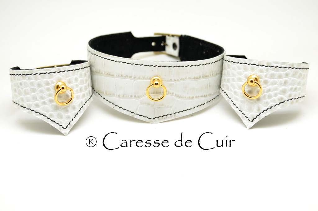Ensemble collier BDSM avec 2 bracelets assortis