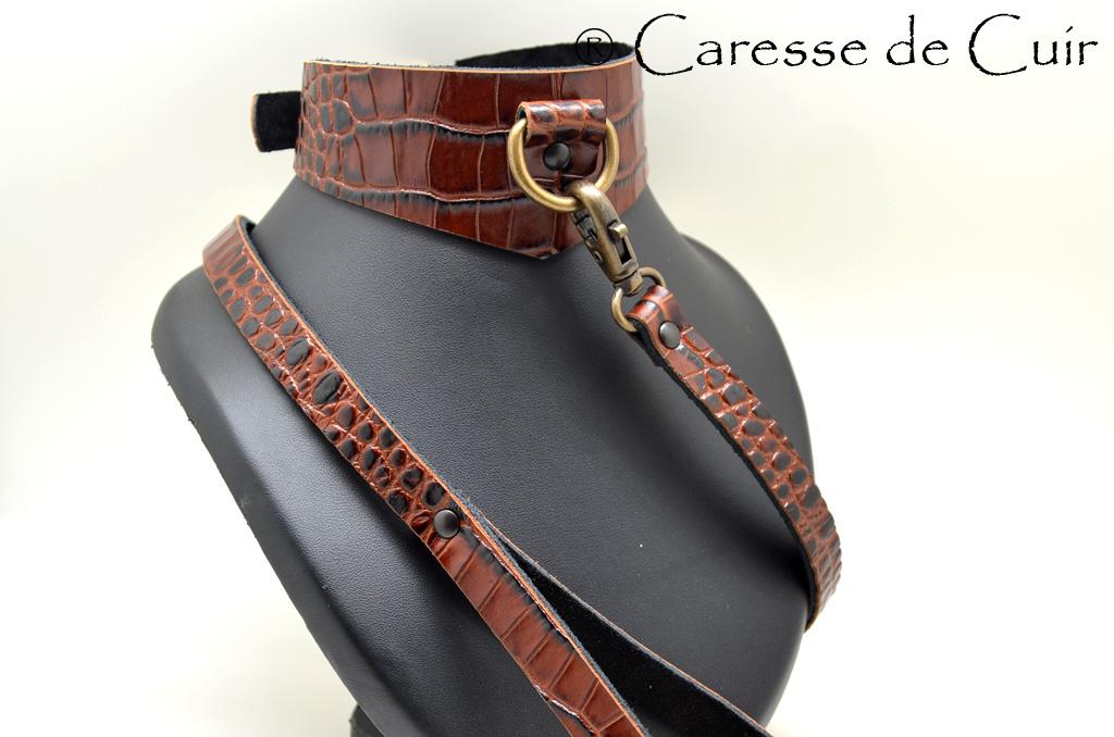 Ensemble collier et laisse BDSM en cuir façon Python marron