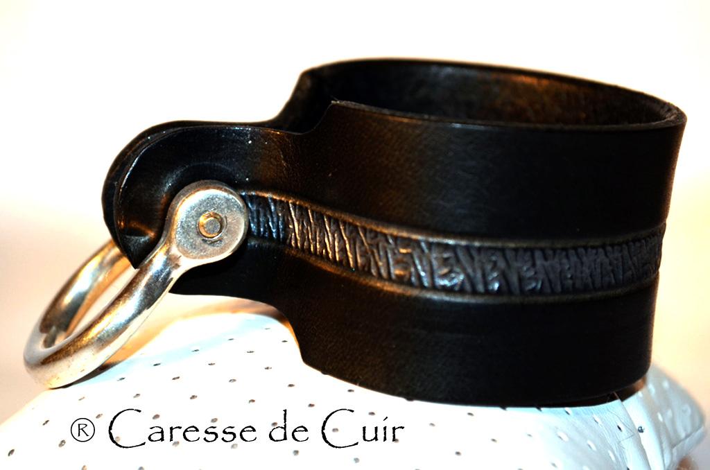 Bracelet SM en cuir noir et argent avec fermoir manille argenté