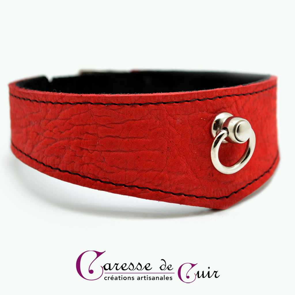 Collier SM en cuir rouge veiné