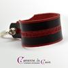 Bracelet-cuir-noir-martelage-rouge-fermoir-manille-argenté-2