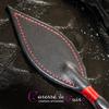 Cravache-cuir-bdsm-caresse-de-cuir-rouge-noir-5
