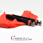 Martinet-latex-rouge-cuir-noir-pommeau-etain-4
