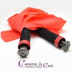 Martinet-latex-rouge-cuir-noir-pommeau-etain-3