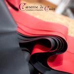 Martinet-cuir-rouge-ou-noir-latex-bicolore-A1