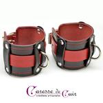 paire-de-bracelets-sm-cuir-noir-rouge-2