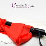 martinet-latex-rouge-cuir-noir-caressedecuir-3
