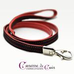 laisse-cuir-noir-rouge-surpiqure-sm-mousqueton-caressedecuir-caresse-de-cuir-01