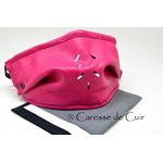 sur masque de protection en cuir avec 3 filtres double epaisseur en tissus lavable rose fushia caressedecuir