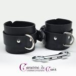 Paire de bracelets bdsm de seance en cuir noir 3