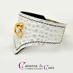 bracelet-bdsm-cuir-blanc-couture-noire-1