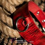 Collier-SM-cuir-rouge-veiné-noir-4