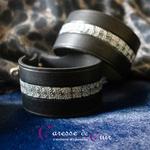 Bracelet-cuir-noir-martelage-argent-fermoir-manille-argenté