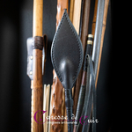Cravache-cuir-bdsm-caresse-de-cuir-noir-3
