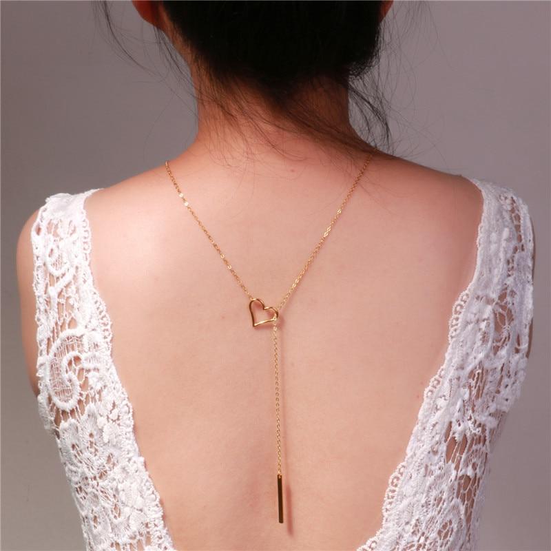 Collier de dos avec coeur et plaque - A porter avec la robe élégante de grossesse - Livré en 48H/72H