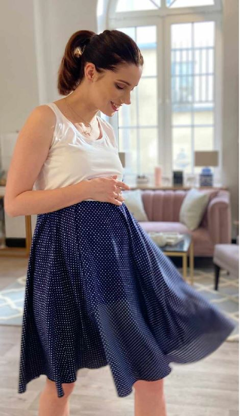 Robe débardeur de grossesse et d\'allaitement Silvia - Marine à pois/Framboise à motifs