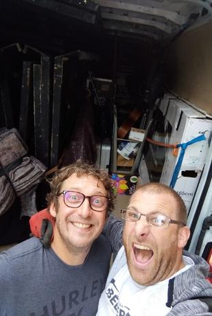 bracco-magicien-regisseur-camion-backstage