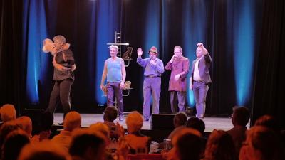 bracco-magicien-backstage-spectacle- scene-salut-christian gabriel-jean garin-hugues protat
