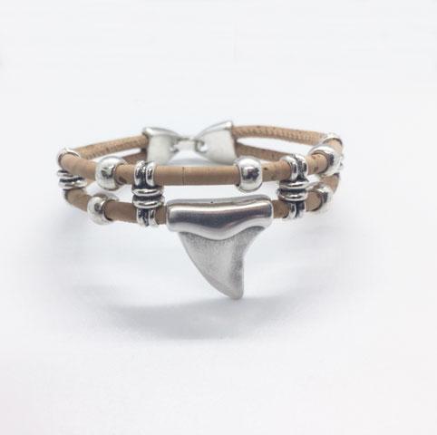 Bracelet en liège naturel modèle dent de requin
