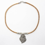 collier-feuille