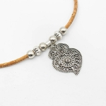 collier-feuille-zoom