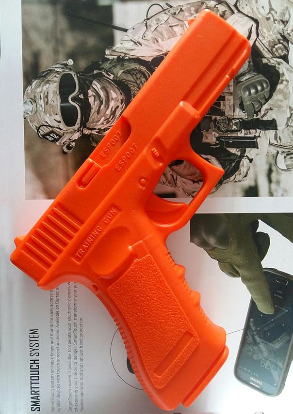DUMMY TRAINING GUN GLOCK 17