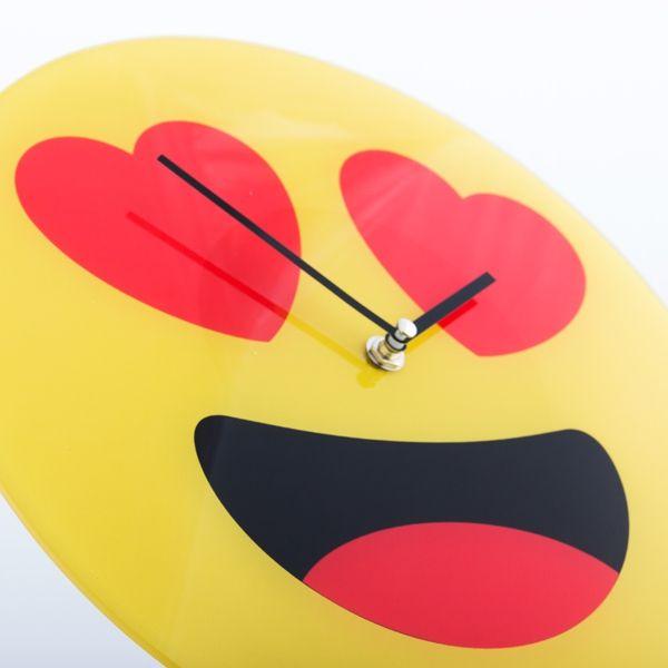 Horloge Murale Emoticône Coeurs 30cm