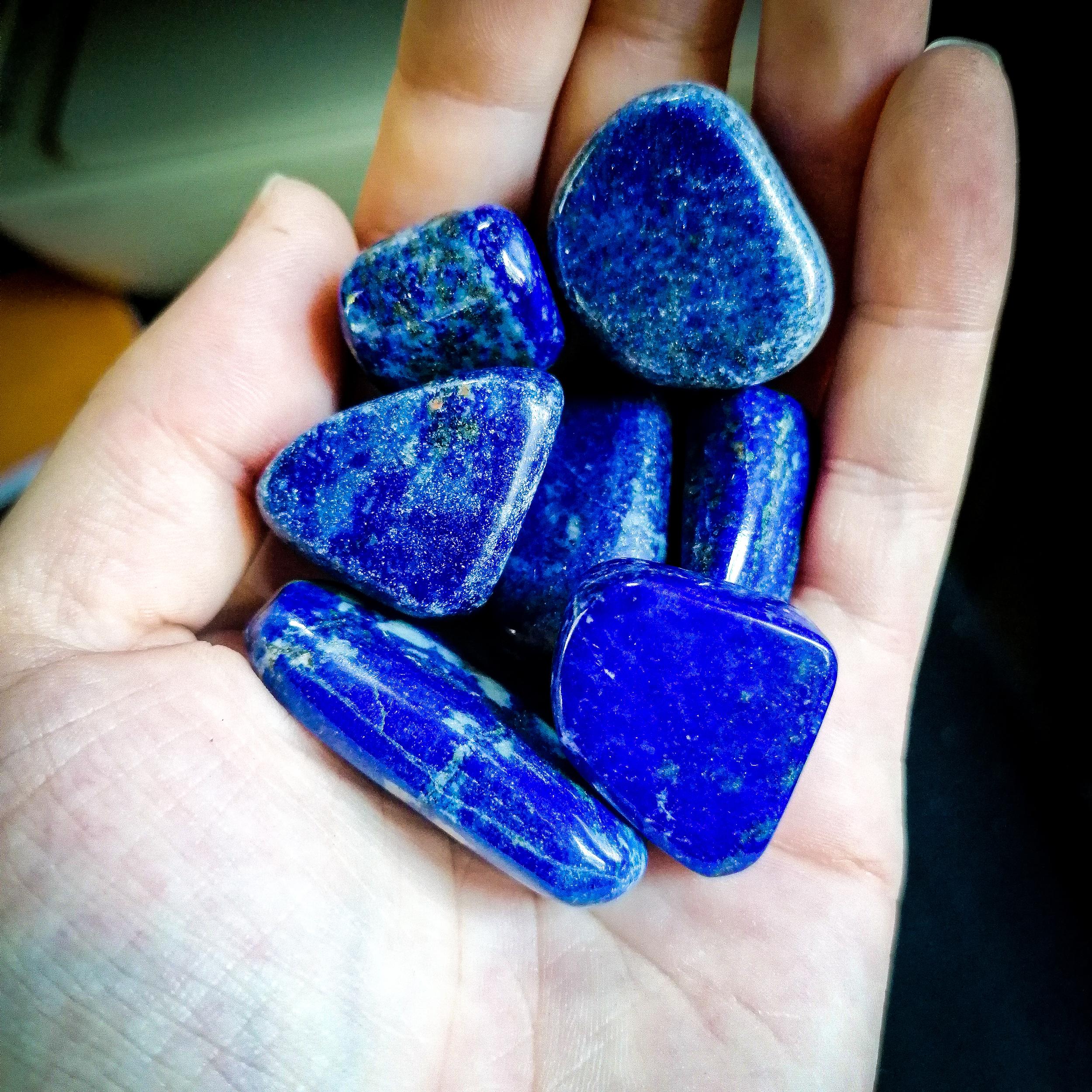 Pierre roulée Lapis Lazuli à l\'unité