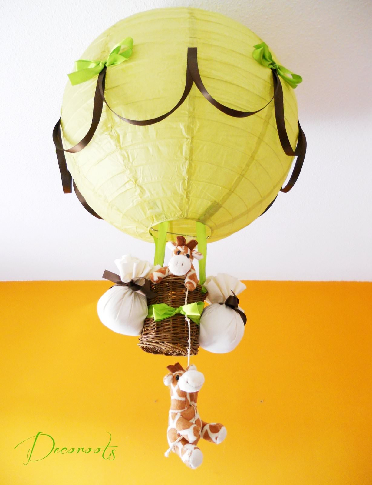 Chambre marron chocolat et vert anis for Deco chambre vert anis