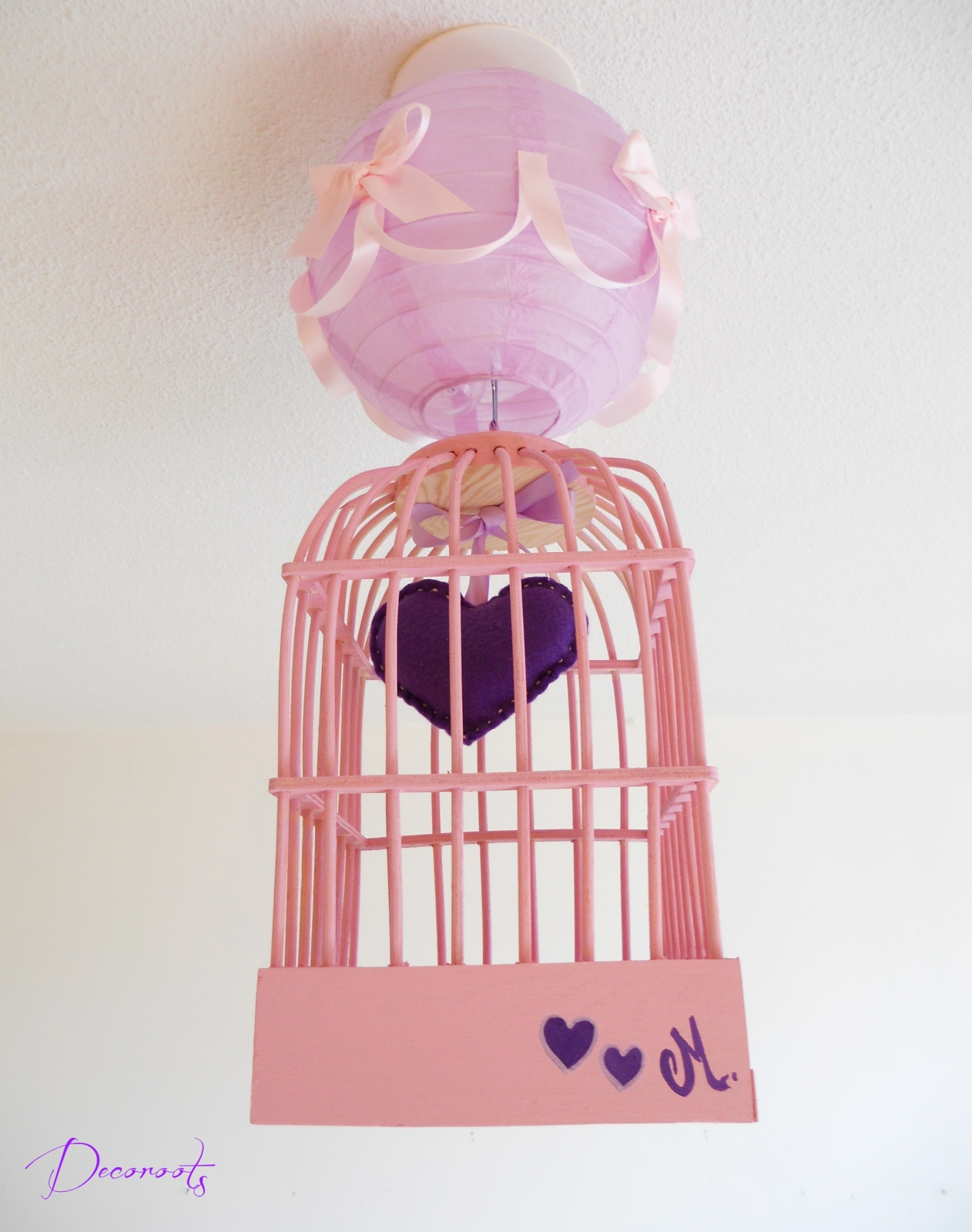 Lustre suspension cage fille petit coeur violet et rose for Deco chambre fille violet