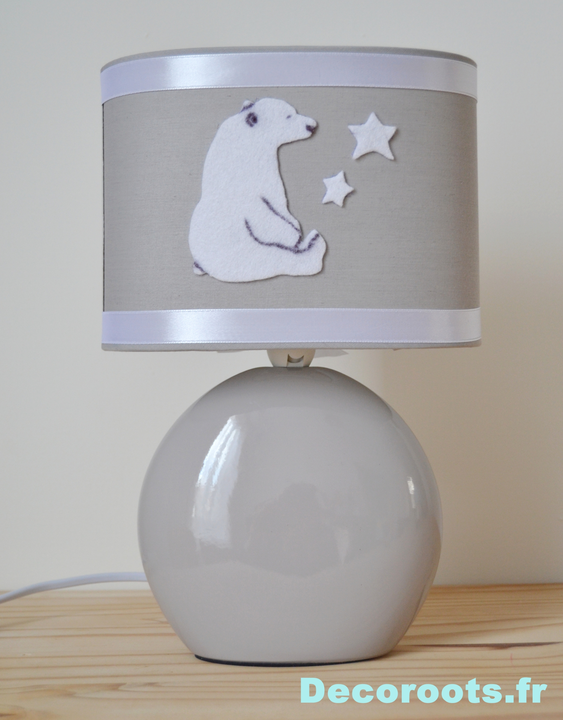 Lampe chevet petite fille gallery of lampe de chevet for Lampe de chevet chambre bebe